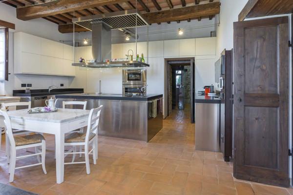 Foto cucina con pavimento in cotto di rossella cristofaro 643310 habitissimo - Mattonelle pavimento cucina ...