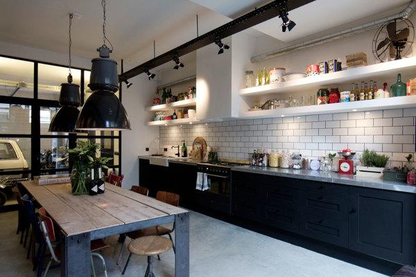 Foto cucina in stile industriale di rossella cristofaro