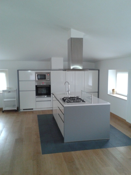 Foto: Cucina Moderna con Isola di Luca Riccardo ...