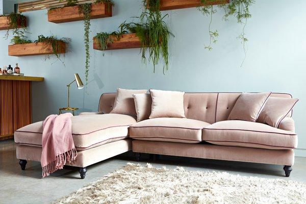 Divano Rosa Cipria : Foto divano in velluto rosa di rossella cristofaro