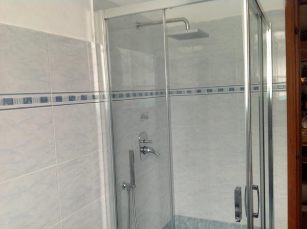 Progetto ristrutturazione bagno progetti for Specchio bagno 70x100