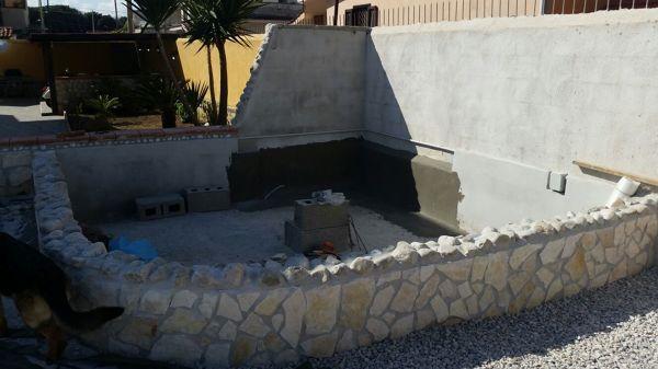 Foto durante la costruzione della piccola piscina di for Costi di costruzione della piscina