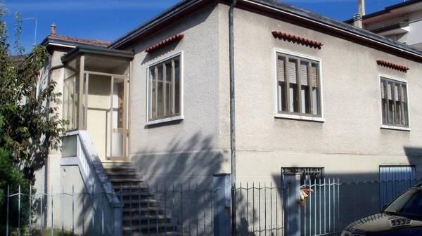 Foto esterno stato iniziale di costruzioni martini for Chi disegna i piani di casa