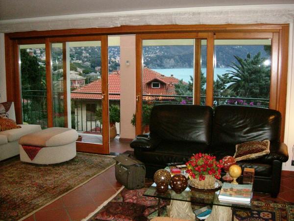 Foto finestre scorrevoli in pvc finstral de tigullio for Finestre pvc genova