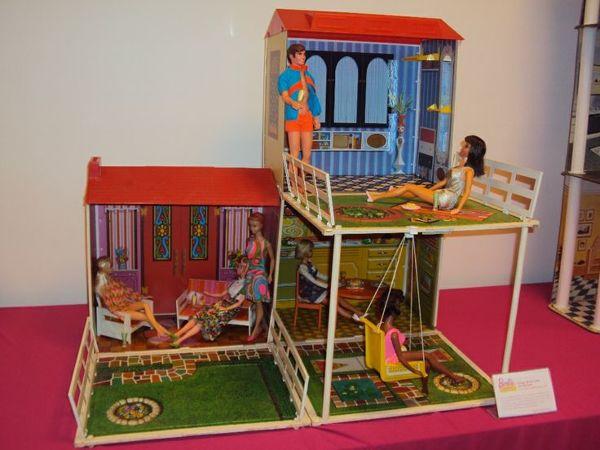 Vasca Da Bagno Barbie Anni 70 : Sono andata a giocare con le barbie al mudec vita su marte