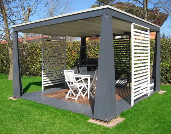 giardino moderno con pergola : Foto: Gazebo In Legno Giardino De Marilisa Dones #370464 - Habitissimo