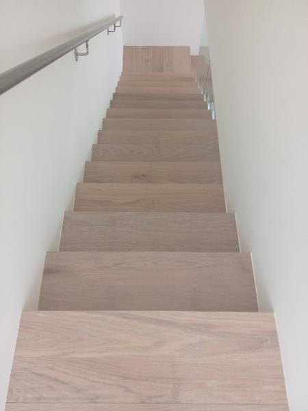 Foto gradini legno massello di parquettando 310875 for Gradini in legno prezzi