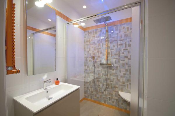 Bagno Piccolo Di Design : Foto il bagno piccolo di studio design habitissimo