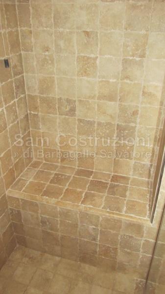 Foto interno doccia con seduta di sam costruzioni di - Doccia con seduta ...