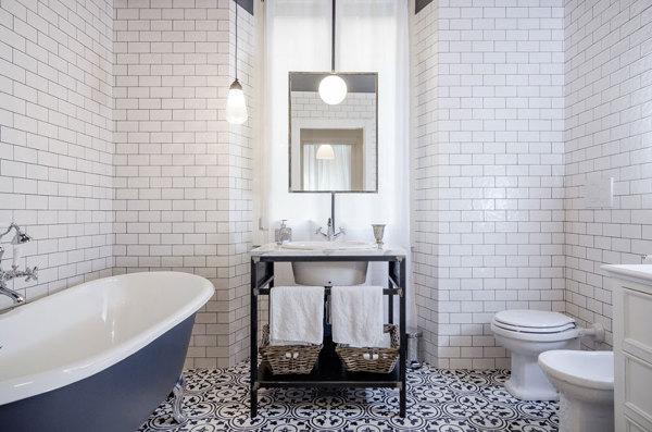 Foto: la vasca fa da protagonista in questo bagno in stile vintage