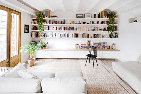 Foto libreria in muratura integrata nella parete di federica