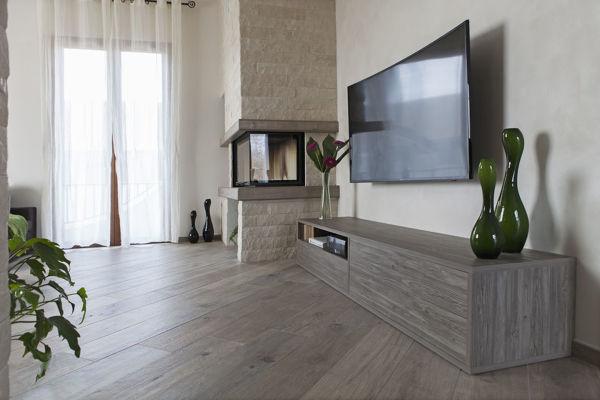 Foto mobile soggiorno minimal lineare fatto su misura di for Mobili salotto design
