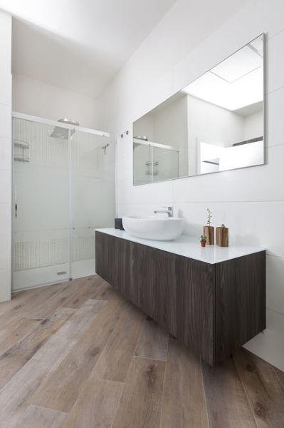 Foto mobile sottolavabo sospeso su misura per bagno - Top bagno su misura ...