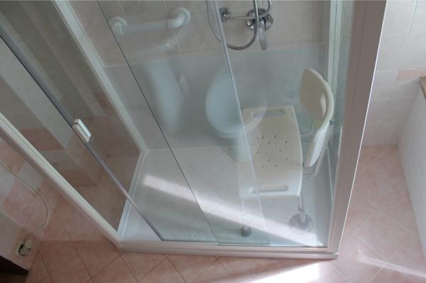 Installazione Doccia Al Posto Vasca.Foto Montaggio Box Doccia Al Posto Della Vasca Di Bagnopronto
