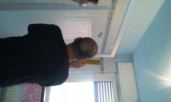Foto montaggio box doccia di ristruttura di scotti omar