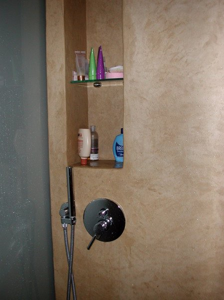 Foto nicchia portaoggetti nel vano doccia di decori e rivestimenti keloe 74587 habitissimo for Porta doccia nicchia prezzi