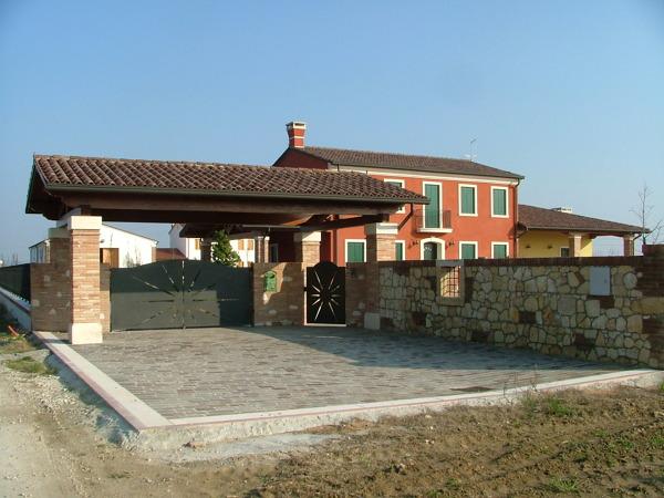 Progetto di costruzione di fabbricato unifamiliare con for Idee portico coloniale