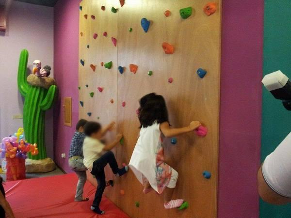 Parete Scalata Bambini : Foto parete arrampicata per ludoteca bambini di la bacchetta