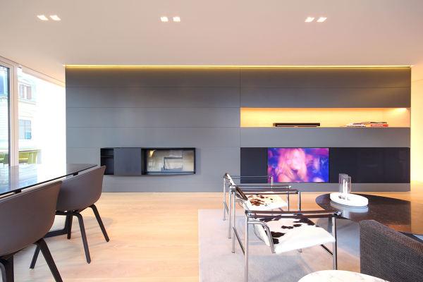 Foto parete attrezzata con camino e tv di rossella for Parete camino e tv