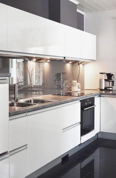 Foto parete di vetro cucina di francesco esposito 373454 - Parete vetro cucina ...
