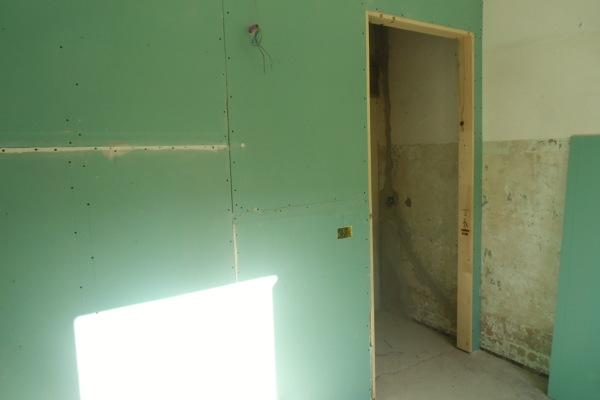 Foto parete in cartongesso per il nuovo bagno di gabema srl