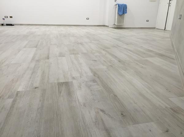 Foto: Particolare del Pavimento Nel Soggiorno di Renova Interiors ...