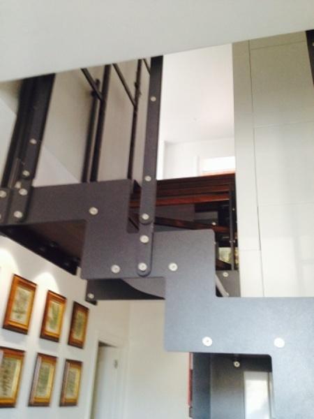 Progetto di ristrutturazione interna di abitazione su due for Ristrutturazione a pianta aperta su due livelli