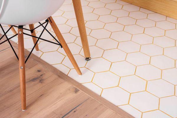 Foto pavimento con piastrelle e parquet di rossella cristofaro