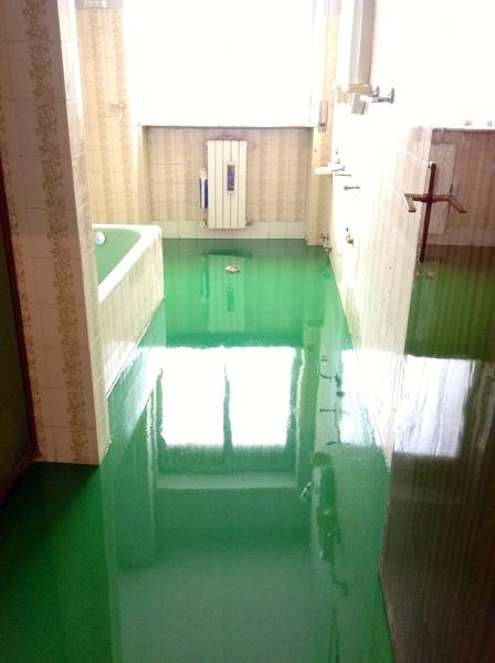 Foto pavimento in resina bagno de ferrise francesco - Pavimento bagno resina ...