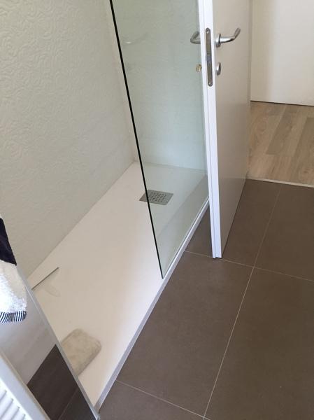 Foto piatto doccia bagno grande di ristrutturare - Bagno con doccia grande ...