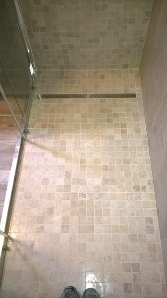 Foto piatto doccia in muratura con mosaico filo pavimento di mg costruzioni srl 421793 - Mosaico pavimento bagno ...