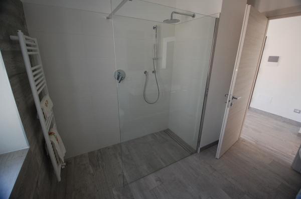 Piatto doccia con piastrelle per bagni per bagni with piatto doccia con piastrelle piatto - Piatto doccia piastrelle ...