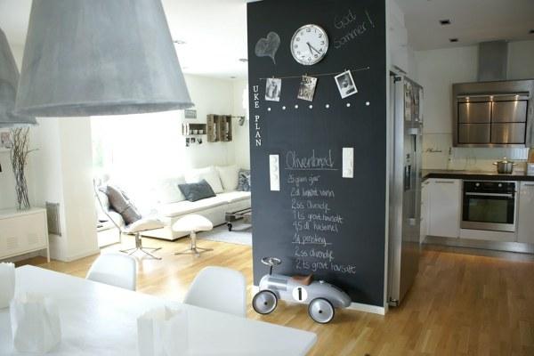 Foto pittura effetto lavagna salone di valeria del treste - Lavagna magnetica da cucina ...