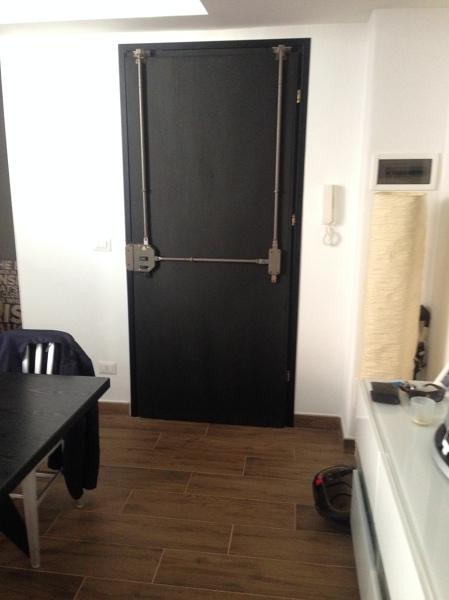 Foto porta d 39 ingresso restaurata in lavagna di riccardo - Architetto porta ...