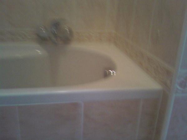 Foto posa piastrelle bagno di maximeasa gabriel 241826 - Costo posa piastrelle bagno ...