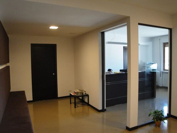 La Sala D Attesa.Foto Progetto Studio Legale Vista Sala D Attesa E Segreteria Di