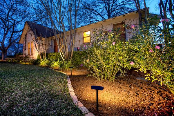 Foto: proteggi la tua casa con lilluminazione esterna di valeria