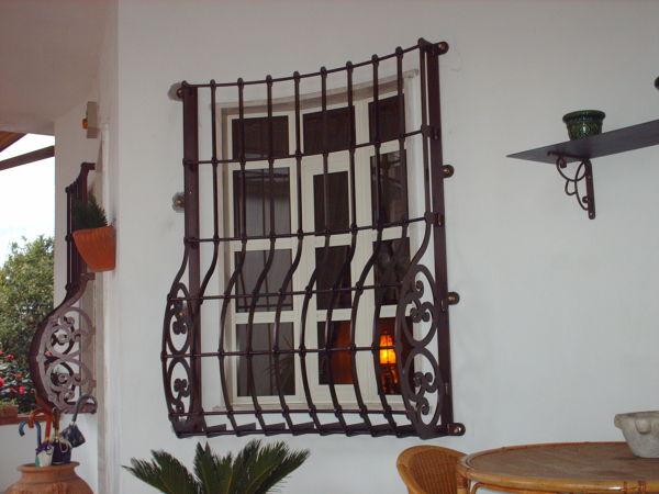 Foto protezioni per finestre e porte di edilsider sas di racconto giuseppe c 211161 - Protezioni per finestre ...