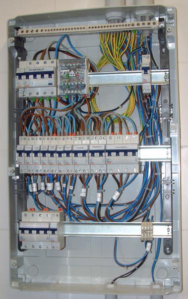 Foto quadro cucina durante il cablaggio di plantservice 326370 habitissimo - Impianto elettrico casa prezzi ...