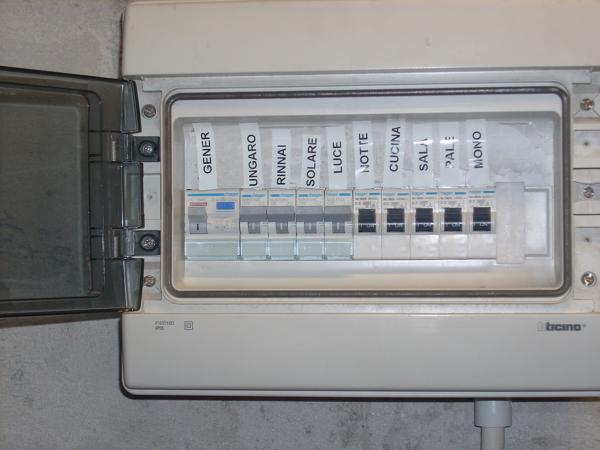 Foto quadro elettrico di termoidraulica verde domenico 167970 habitissimo - Impianto elettrico casa prezzi ...