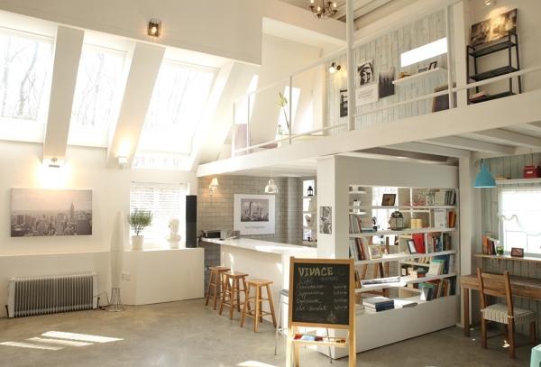 Foto Ristrutturazione Casa Con Soffitto Spiovente Di