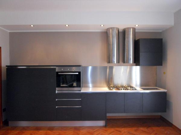 Foto ristrutturazione cucina moderna di for Idee ristrutturazione