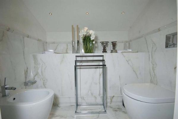 Foto rivestimento bagno in calacatta di zanco marmi di zanco