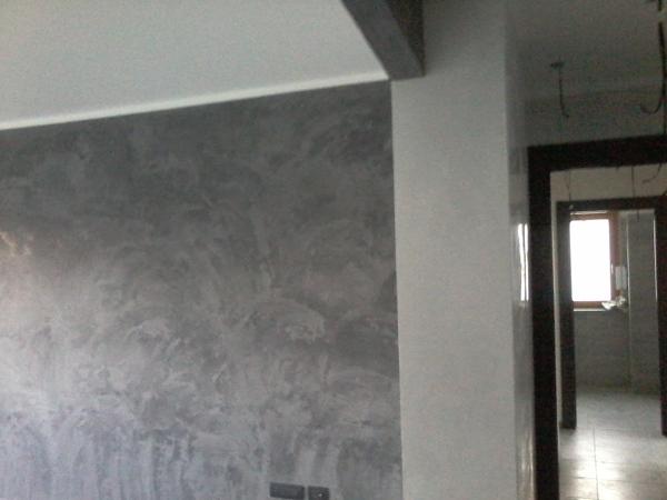Foto sala e entrata stucco veneziano di chelin riccardo for Pareti bianco perla