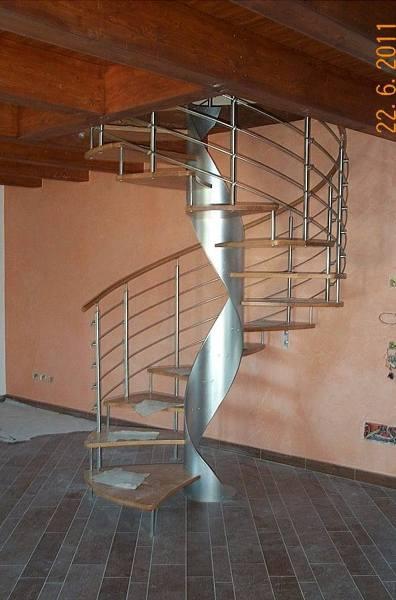 Foto scala a chiocciola in legno e acciaio di ecoven - Foto scale a chiocciola ...