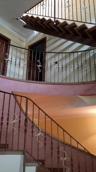 Foto scala a tre piani di sotera edilizia 364037 for Disegnare piani di costruzione in scala