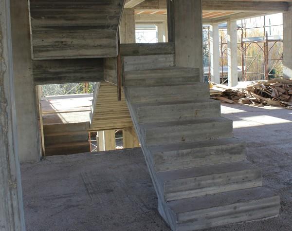 Foto scala in cemento armato di n i ristrutturazioni e - Scale in cemento armato ...