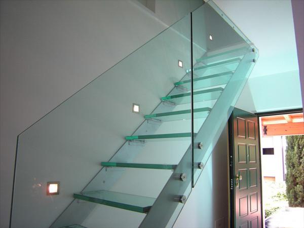 Foto: scala in cristallo trasparente parapetti trasparenti e