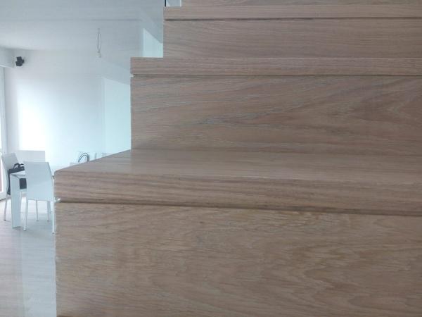 Foto scala in legno di parquettando 310878 habitissimo - Immagini scale in legno ...
