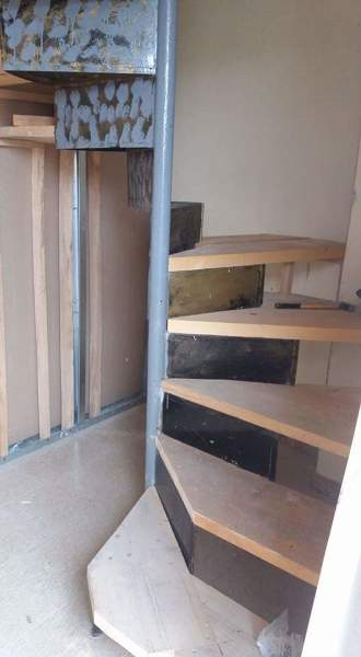 Foto scala interna in legno su misura di di tutto un po for Scala interna in legno